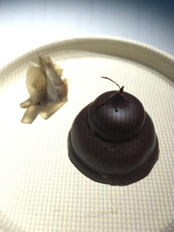 Γλυκό του κουταλιού από άγουρα καρύδια ως δέρμα...