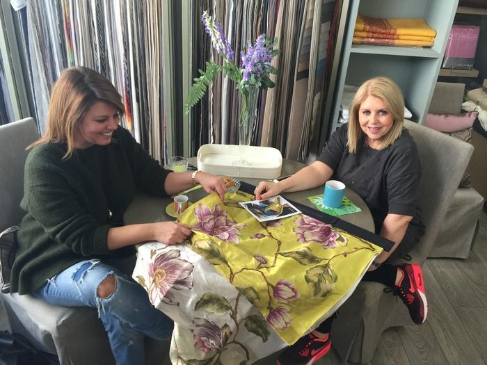 Με την Κατερίνα Γουλανδρή, σήμερα το πρωί επιλέγοντας τις ομορφότερες από τις ομορφότερες στόφες για τις Σπέτσες...