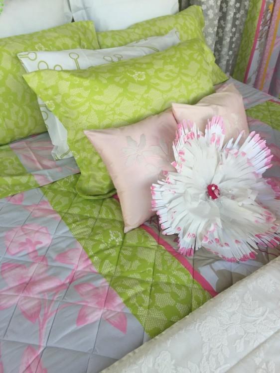 Χρώματα και λουλούδια με την κομψή υπογραφή της Κατερίνας Γουλανδρή...