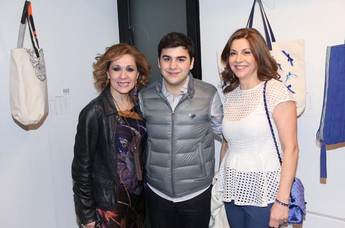 Η Τζίνα Θανοπούλου μαζί με την Αλεξάνδρα Γιαννακοπούλου και τον γιο της