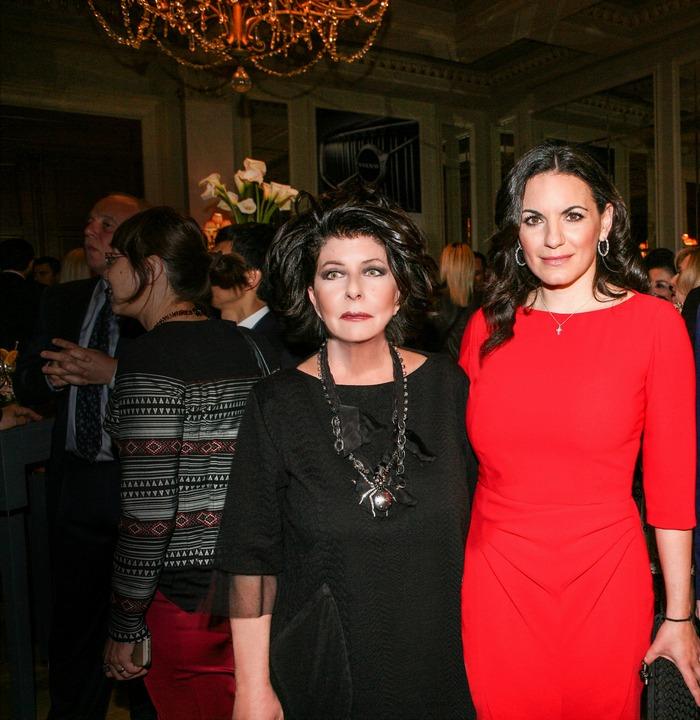Η Άννη Ηλιοπούλου, εκδότρια του Αθηνοράματος και η πρώην Υπουργός Τουρισμού και βουλευτής Όλγα Κεφαλογιάννη