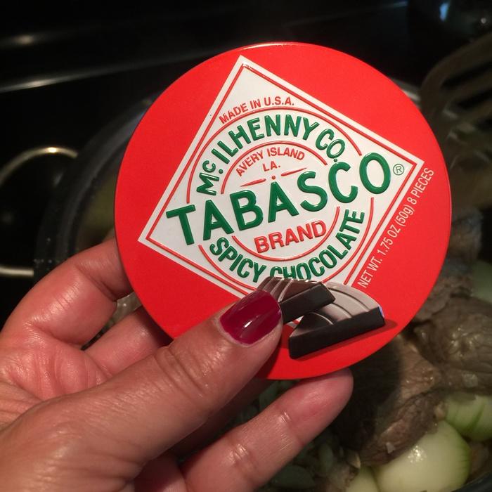 Tabasco Spicy Chocolate, την αγοράζω από τον Θανόπουλο, αλλά φαντάζομαι πως μπορείτε να την βρείτε και αλλού...