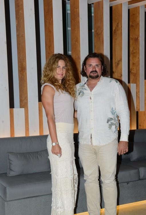 Η διάσημη διατροφολόγος από το Los Angeles Στέλλα Μετσοβάς με το σύζυγο της Σταυρο
