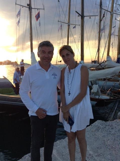 Η Ελίνα Σμπώκου με τον Στέφανο Χανδακά