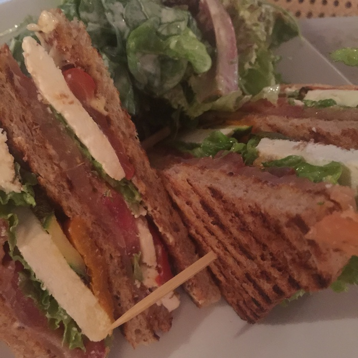 Το Club Sandwich με Σολωμό του Νικόλα...
