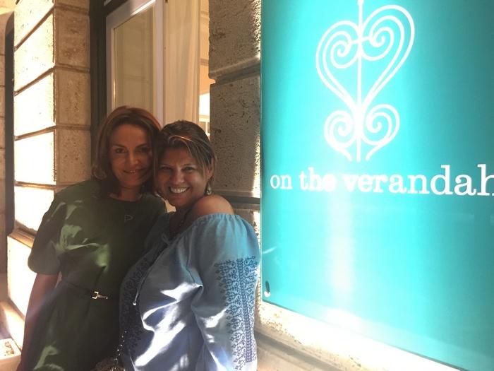 Με την Μαρία Στρατή, λατρεμένη μου φίλη και διευθύντρια  αυτού του ιστορικού ξενοδοχείου...