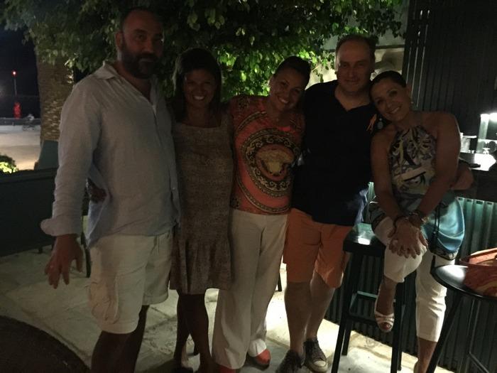 Με τον Νικόλα, την Ναλίτα Καρρέρ, την Τζίνα Θανοπούλου και τον Κωνσταντίνο Παπακωνσταντίνου