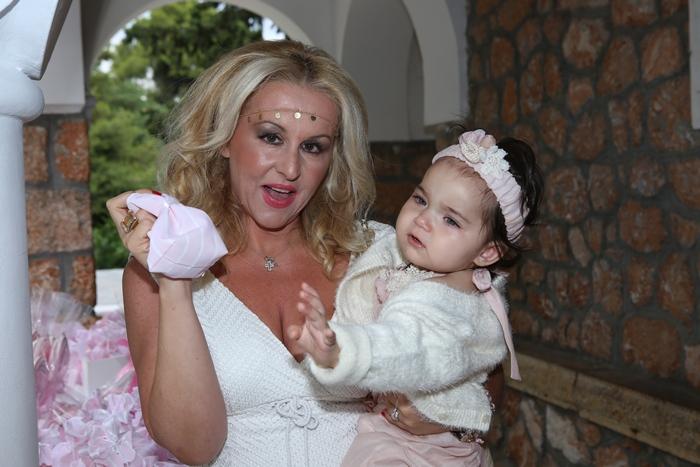 Η θεία της νεοφώτιστης Ναταλί Σταματάκη με την Μαριάννα Βέργου