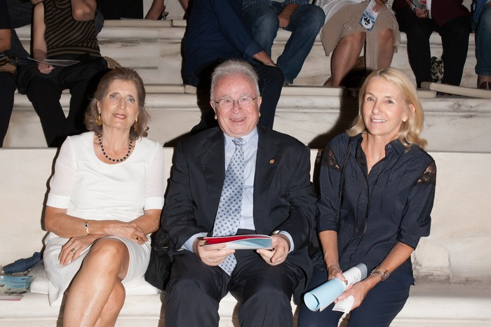 Χρήστος Μπαρτσόκας Πρόεδρος Ένωσης «Μαζί για το Παιδί» συνοδευόμενος από τη σύζυγό του κα. Άννα Μπαρτσόκα & την Αντιπρόεδρο της Ένωσης «Μαζί για το Παιδί» Αλεξάνδρα Μαρτίνου