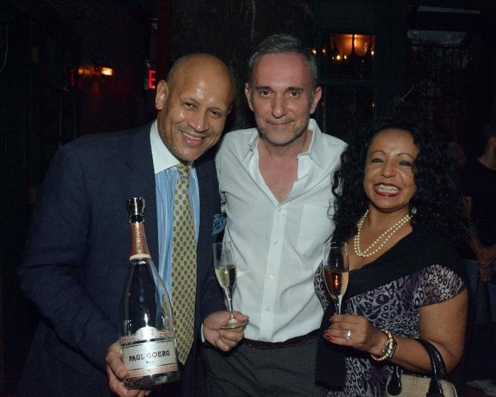 O Mario και η Naz Rinaldi αποκλειστικοι αντιπροσωποι της Champagne  Paul Goerg και επισημοι χορηγοι του event με τον συγγραφεα Ιωαννη Παππο