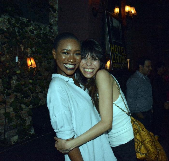 Το μοντελο και  artist  Nicole Lee Jones  και η ιδρυτρια του hellasnpanties.com, Σωσω Κρυσταλη
