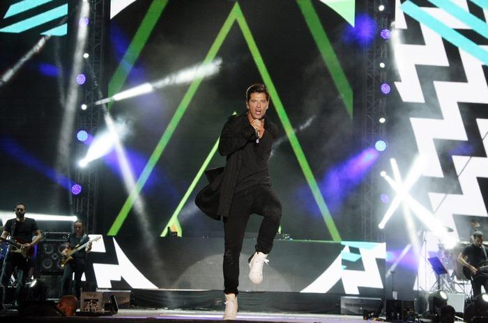 Sakis Rouvas On Stage