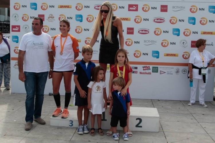 Η Ρόη Δανάλη-Αποστολοπούλου στην Πρώτη θέση και αυτή τη χρονιά, ανάμεσα στα παιδιά της...