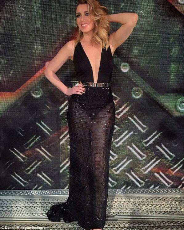 Η διάσημη τραγουδίστρια και Coach του X Factor Αυστραλίας μαγνήτισε τα βλέμματα με διάφανη δημιουργία Celia Kritharioti Haute Couture.