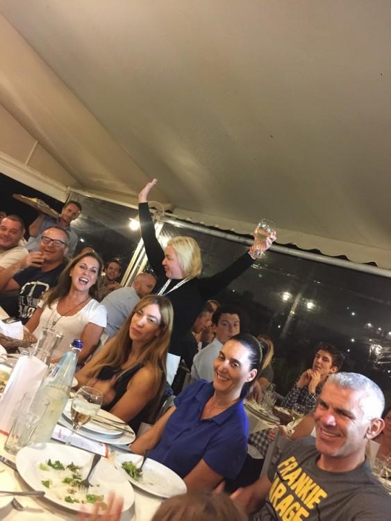 Η Μαρίνα Λύδα Κουταρέλλη στο επίσημο δείπνο του Χρυσού Χορηγού ΝΝ Ηellas, στον Ταρσανά