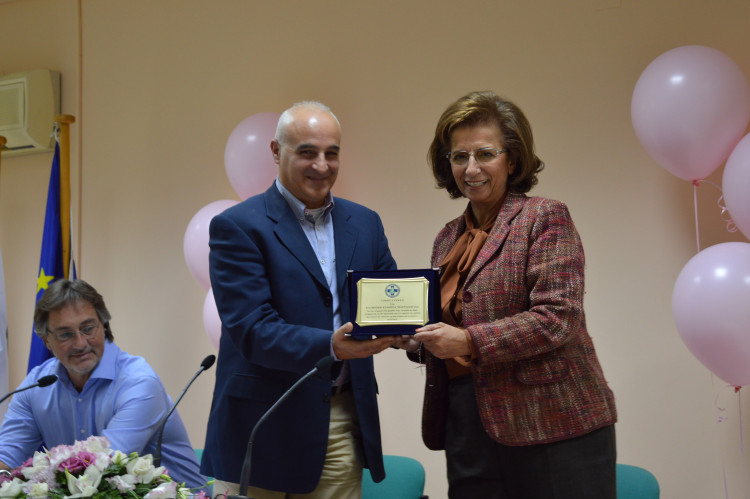 Ο Πρόεδρος Ιατρικού Συλλόγου Λευκάδος Αθανάσιος Καραγιάννης, η Πρόεδρος της ΕΕΜ Γυναικολόγος-Χειρουργός-Ειδ. Μαστολόγος κ. Λυδία Ιωαννίδου-Μουζάκα