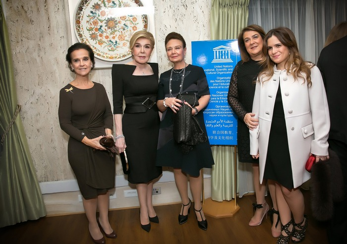 Ελένη Σαμαρα Κωνσταντακάτου, Μαριάννα Β. Βαρδινογιάννη, Άννυ Πετράκη, Βέτα και Λώρα Τσουκαλά