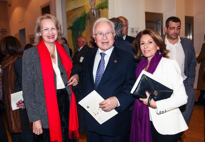 Λίζα Έβερτ, Χρήστος Μπαρτσόκας, Πρόεδρος της Ένωσης «Μαζί για το Παιδί» και Άννα Ανδρεάδη, Γενική Γραμματέας της Ένωσης «Μαζί για το Παιδί