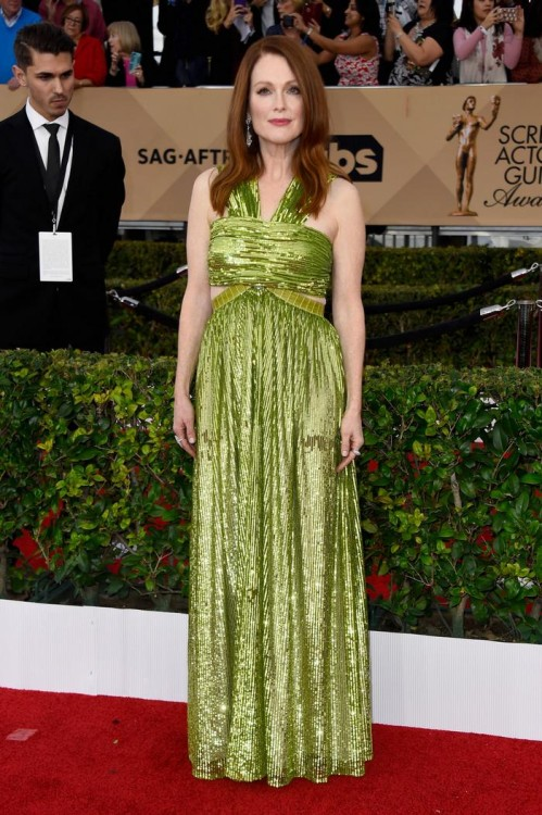 Julianne Moore in Givenchy Couture & Chopard Jewelry Collection