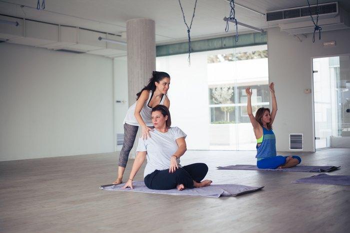 Η δασκάλα μας η Στέλλα, η Ιωάννα και εγώ, χθες απόγευμα στο I Soul Yoga...