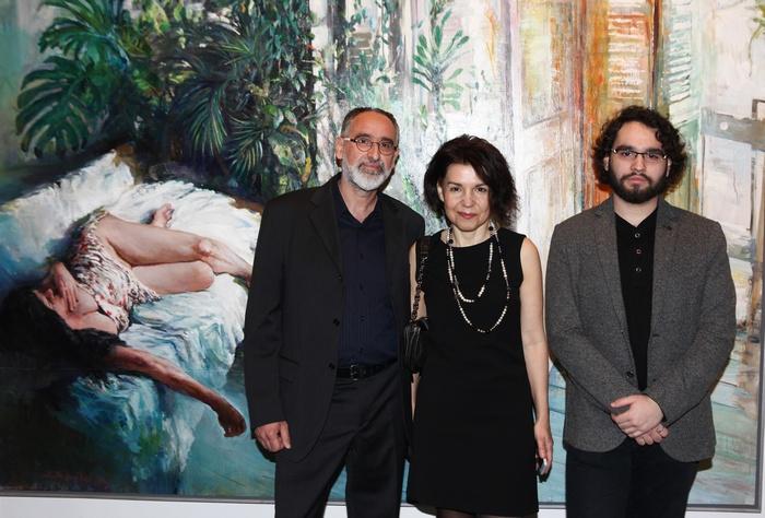 Ο Χρήστος Παλλαντζάς με την σύζυγό του και ζωγράφο Χρύσα Βέργη και τον γιο τους Ραφαήλ-Θωμά.