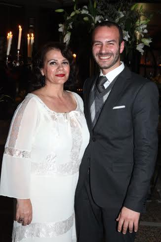 Η Χριστίνα και ο Γιώργος Δόγκας που προσέφεραν το κρασί της εκδήλωσης.