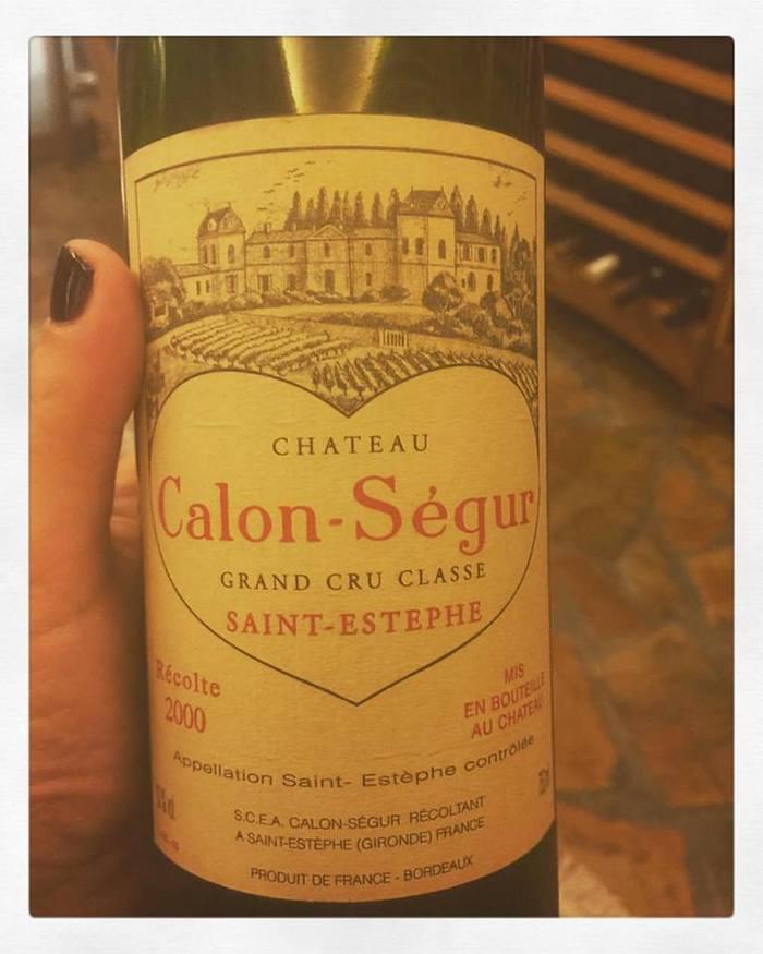 Και ανοίγουμε ένα συναρπαστικό κρασί...