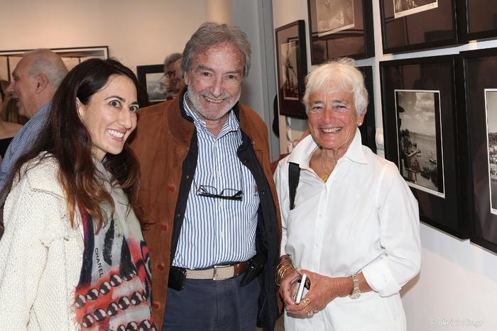 Η Ann McCabe, ο Μάνος Βερνίκος και η Αννίκα Μπαρμπαρήγου
