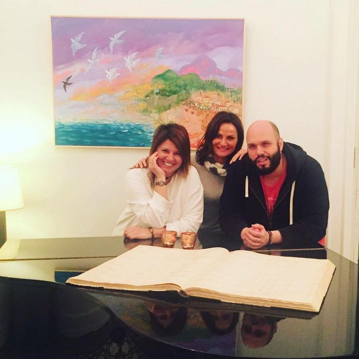 Με την Μαρία Στρατή και τον Σταμάτη Μαρμαρινό. Οικοδεσπότες της βραδιάς μας. Της βραδιάς που εγκαινιάζει επίσημα την σεζόν...