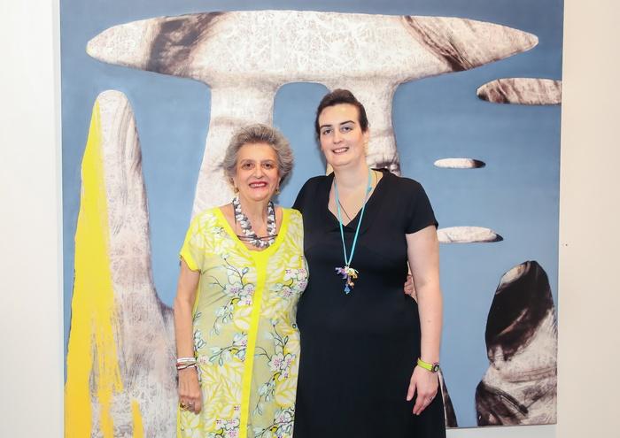 Η Ιστορικός Τέχνης και συγγραφέας κ. Ντόρα Ρογκάν με την κόρη της Χριστίνα