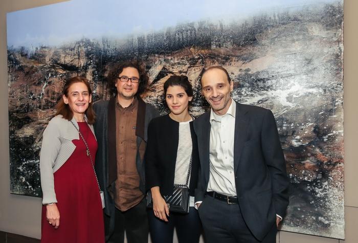 Ο Βαγγέλης Ρήνας με το ζεύγος Μαρινοπούλου και την κόρη τους