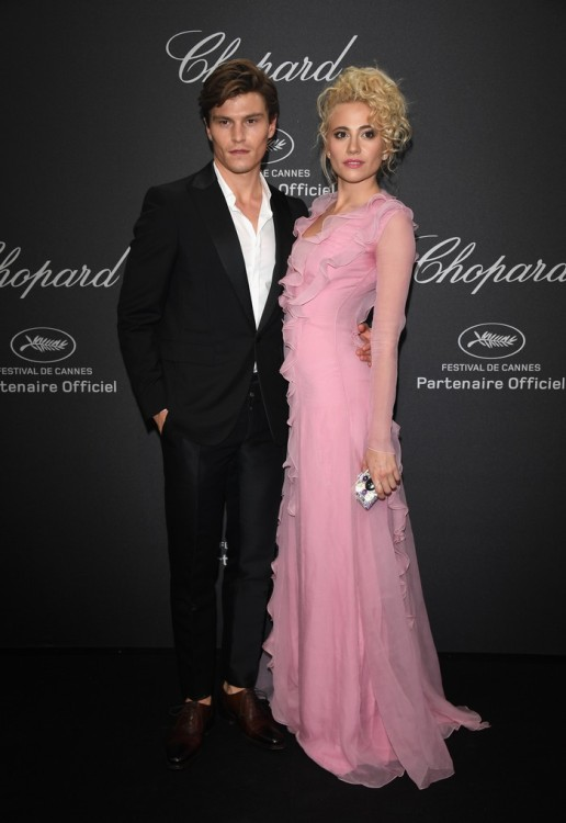 CANNES, FRANCE - MAY 16: Pixie Lott and Oliver Cheshire attend Chopard Wild Party as part of The 69th Annual Cannes Film Festival at Port Canto on May 16, 2016 in Cannes, France. (Photo by Daniele Venturelli/Getty Images) *** Local Caption *** Pixie Lott; Oliver Cheshire