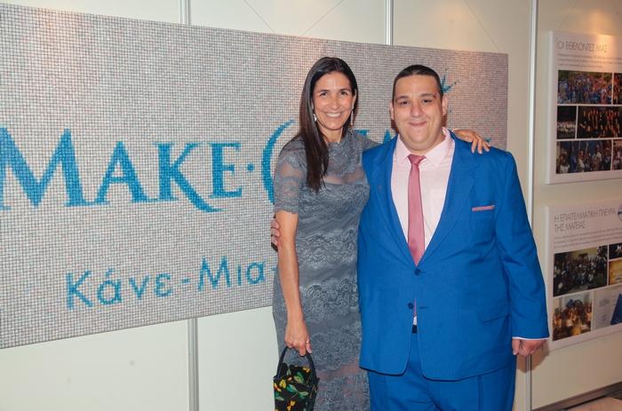 Η ιδρύτρια του Make-A-Wish (Κάνε-Μια-Ευχή Ελλάδος) Gabriella Calini με τον «Αστερούλη», Χάρη Πατούνη