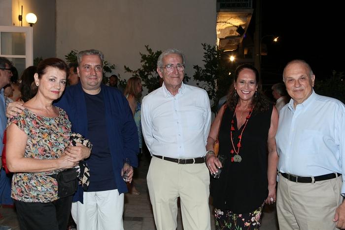 Η Ρόη Ψυχοπαίδη, ο Μανώλης Περατικός, ο Αντώνης Μαρκεζίνης, η Πέπη Ραγκούση και ο Σπύρος Πολλάλης