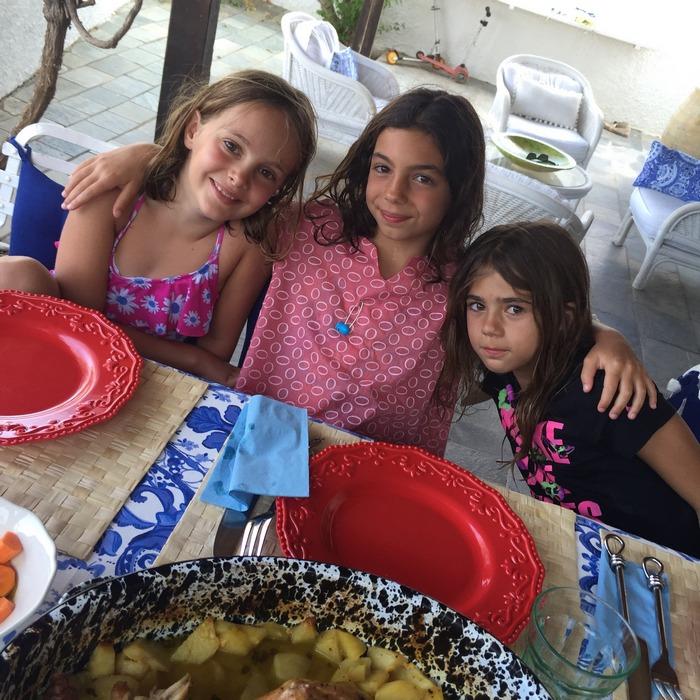 Στεφανία, Ελμίνα, Νέλλυ. Απόγευμα, μετά από την θάλασσα...