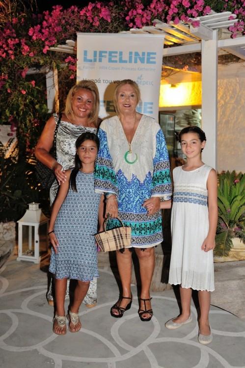 Ναλίτα Καρρέρ, Νταίζη Κοκκάλα, Ελμίνα Μπέη, Ελμίνα Κτσαρού. Τα παιδιά μας βοήθησαν με όλες τους τις δυνάμεις στην διοργάνωση της βραδιάς...