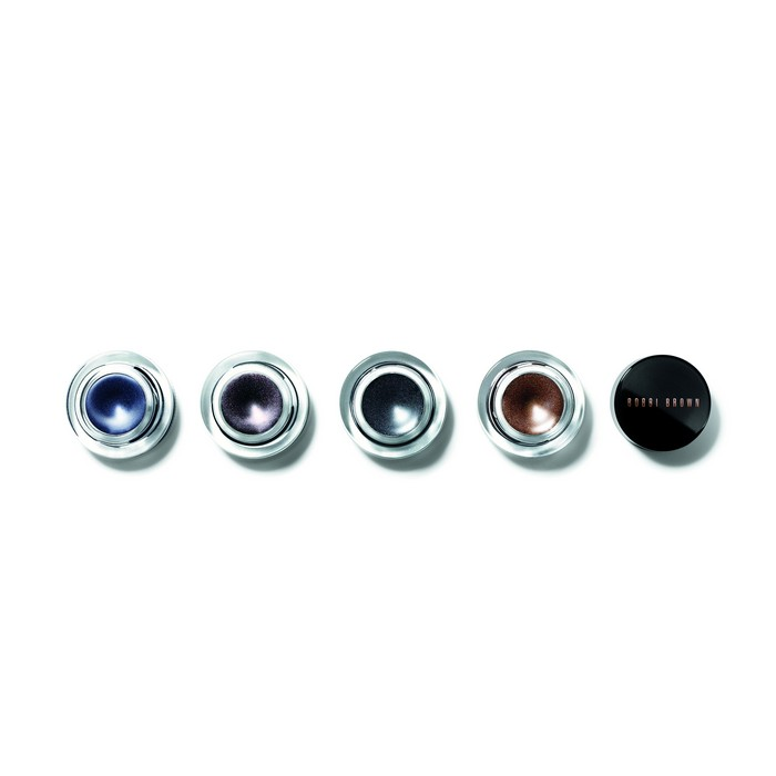 Limited-Edition, Long-Wear Gel Eyeliner Φόρμουλα σε μορφή gel που προσφέρει έντονο αποτέλεσμα και βάθος στα μάτια.