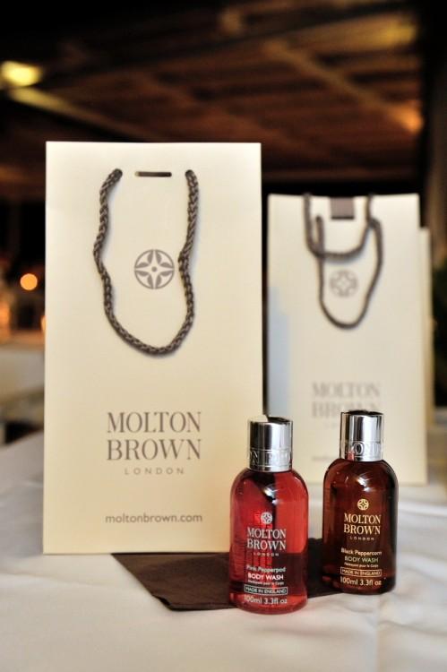 Ενώ τα λατρεμένα μας Molton Brown ήταν τα give away προς τους καλεσμένους μας...