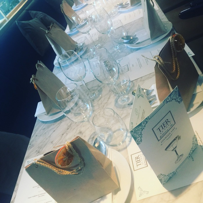 Χθες το μεσημέρι, στο lunch που επιμελήθηκε η Ευούλα-aka Evi Fetsi- για να υποδεχθεί την ελίτ των κριτικών γεύσης και ευζωίας...