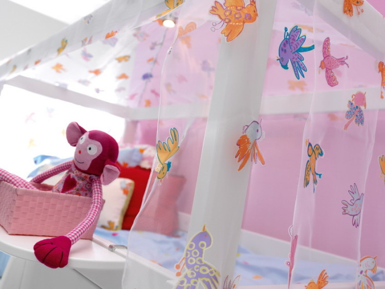 """""""Freebird"""" is all about dreaming away, stirring her heart and mind to keep roaming her fantasy worlds. Hence """"Freebird's"""" adjustability: create, for example, a cosy little """"nest"""" below the bed with lots of cushions, if you fancy the """"Freebird"""" canopy on a mid-high bed."""