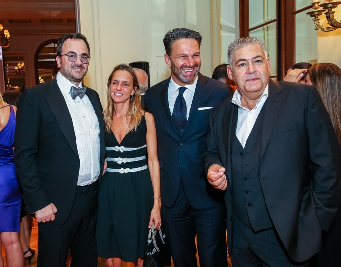 Enrico Vigano, Κατερίνα Κιάσσου (Διευθύντρια MAC), Σπύρος Σπυριδωνίδης (Galerie De Beaute), Νίκος Αραπογιάννης (Εμπορικός Διευθυντής Ομίλου Σαράντη)