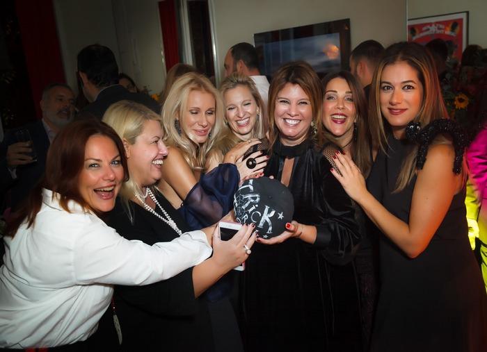 My besties: Σάντρα Μανιουδάκη, Εύη Φέτση, Στέλλα Βουλγαράκη, Βανέσσα Γερουλάνου, Τίνα Στεφάνου-Σαββίδη, Σαλώμη Φλουτάκου
