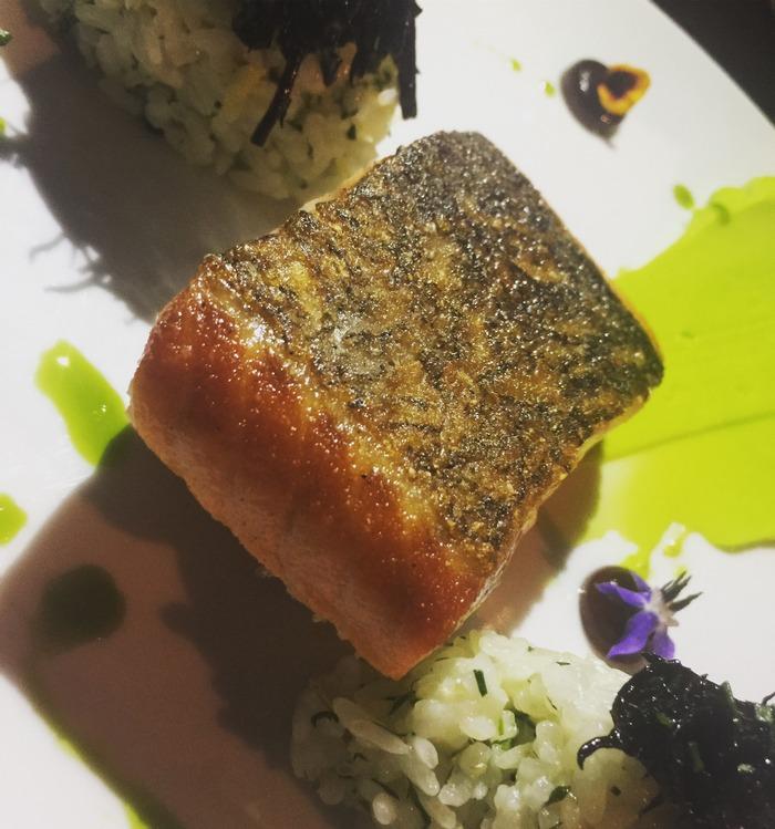 """Ο Σολομός. """"Sushi rice"""", μαγιονέζα wasabi και σόγια..."""