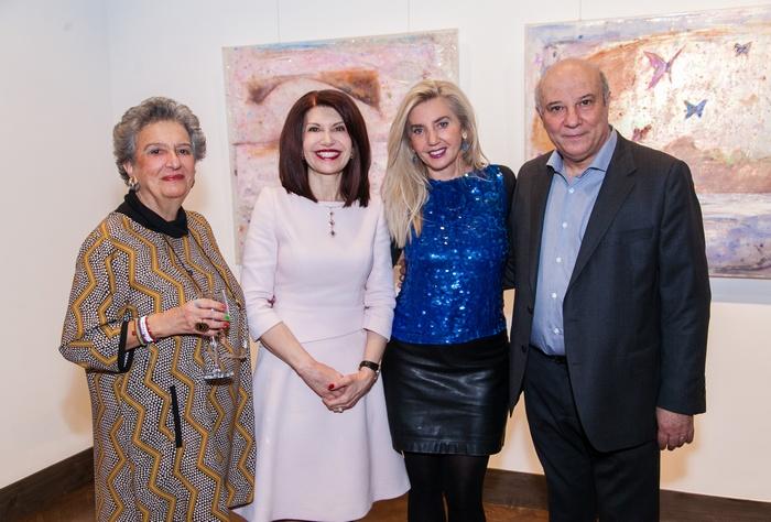 Η Ιστορικός Τέχνης και Τεχνοκριτικός Δρ. Ντόρα Ηλιοπούλου- Ρογκάν, με την Νάσια Ευριπίδου, την ζωγράφο Εριέττα Βορδώνη και τον Κώστα Ευριπίδη.