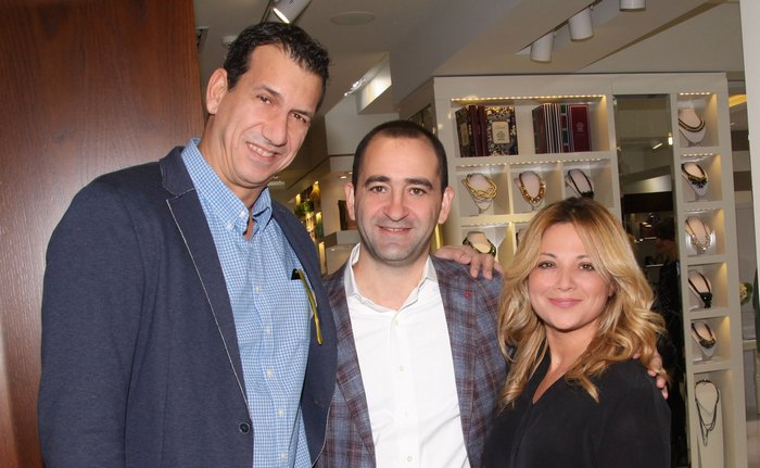Ο κ. Νάσος Γαλακτερός, ο κ. ο CEO Business Director κ.Κωνσταντίνος Λαγουμάκης και η κ. Νάνσυ Ζαμπέτογλου.