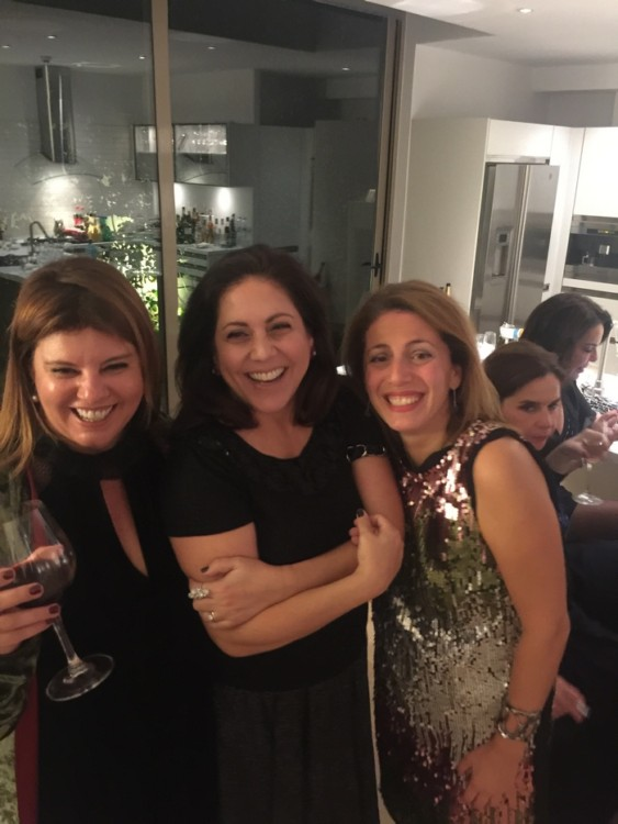 Με την Στέλλα Έλληνα-Περβανά και την Μαρίλυ Καλαβρού-Φίλιου. Χρόνια πολλά Στελλίτσα!
