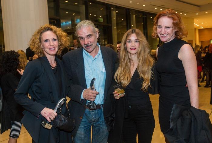 Οι βραβευμένοι Εβελίνα Παπούλια και Γιώργος Χατζηνικολάου με την Ιωάννα Παππά και την Στεφανία Γουλιώτη.