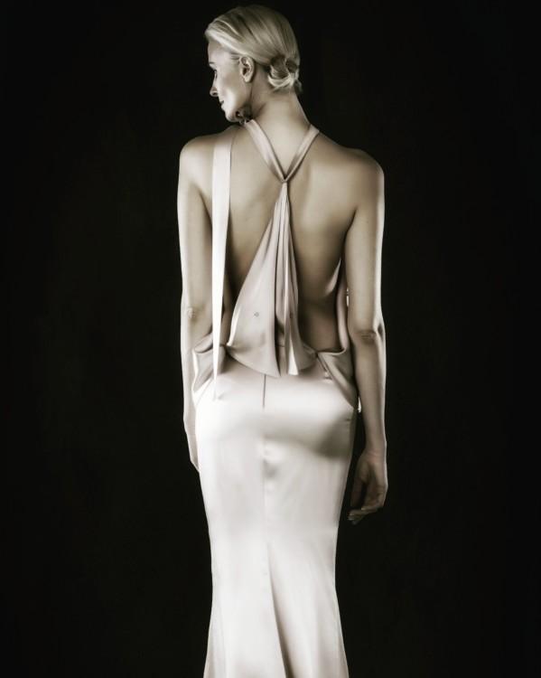 Η Rose gold silk crepe δημιουργία μου επιλέχθηκε & φωτογραφηθηκε απο την εταιρία κοσμηματων Links of London για την παγκόσμια καμπανια τους Spring Summer 2016 Το look book τους με εξώφυλλο τον φόρεμα μου βρίσκεται σε όλα τα καταστήματα της εταιρείας Links of London παγκοσμιως.