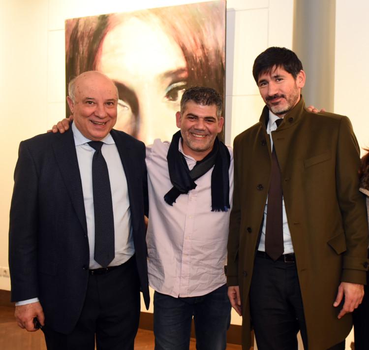 Ο Κώστας Ευριπίδης με τον ζωγράφο Σάββα Γεωργιάδη και τον Μάριο Κάσσινο.