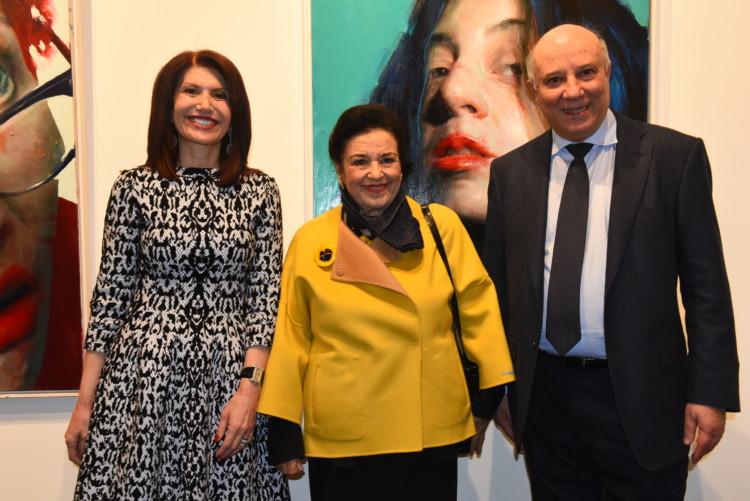 Η Νάσια και ο Κώστας Ευριπίδης με την Ομότιμη Καθηγήτρια Ιστορίας της Τέχνης και Διευθύντρια της Εθνικής Πινακοθήκης κ. Μαρίνα Λαμπράκη Πλάκα.